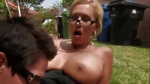 Short hair, Outdoor milf